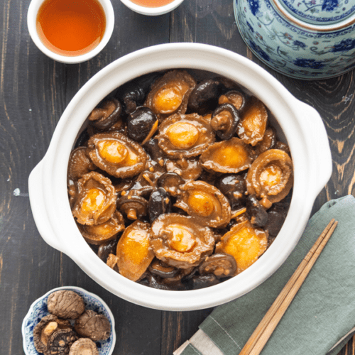 Braised Abalone with Mushrooms (红烧鲍菇) - Wok and Kin